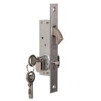Yale Slam Hook Gate Lock with Cylinder